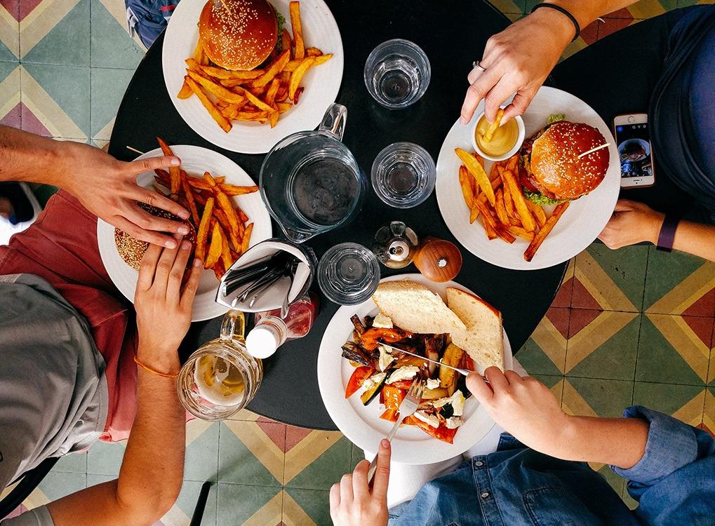 Comment ne pas prendre de poids après un gros repas?