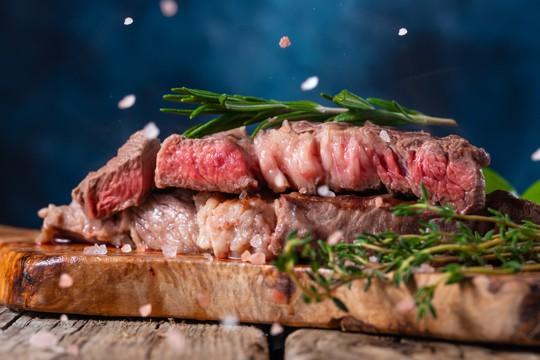 Comment réchauffer une viande déjà cuite?